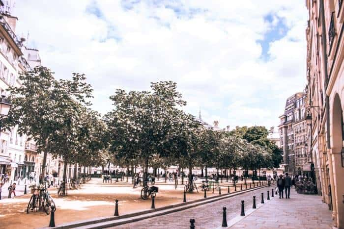 Place Dauphine a great quite spot to spend an afternoon in Paris