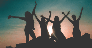 9 tips to make new friends while traveling
